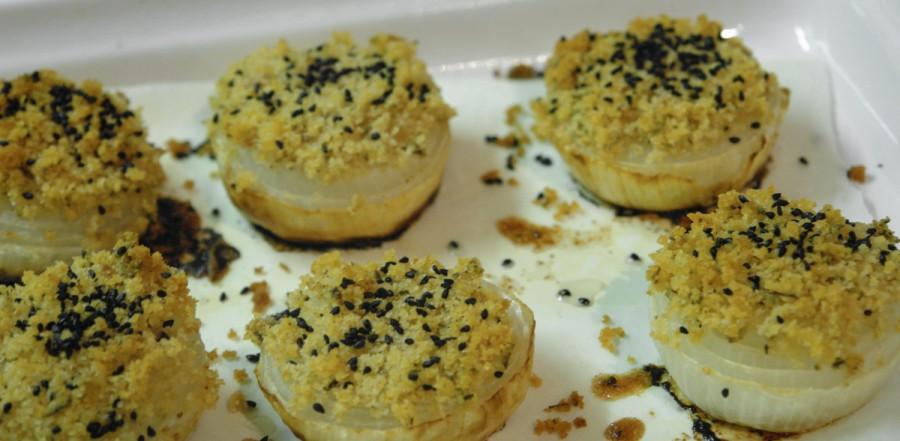 Cipolle gratinate con semi di cipolla